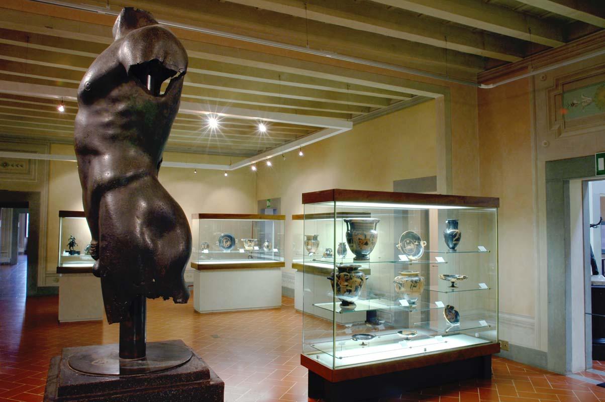 Sala del museo archeologico di Firenze